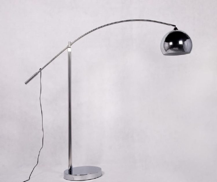 lampada da terra per scrivania