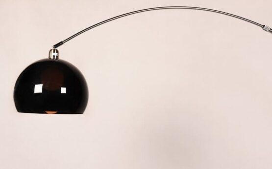 lampade piantane a stelo nere