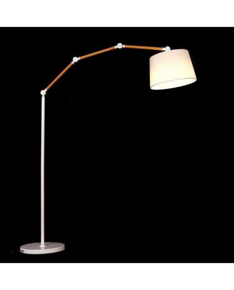 lampada da terra con braccio snodabile