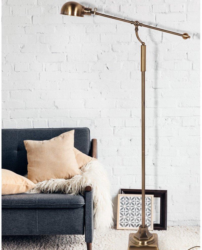 piantana classica vicino al divano