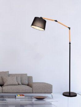 lampada nei pressi del sofà