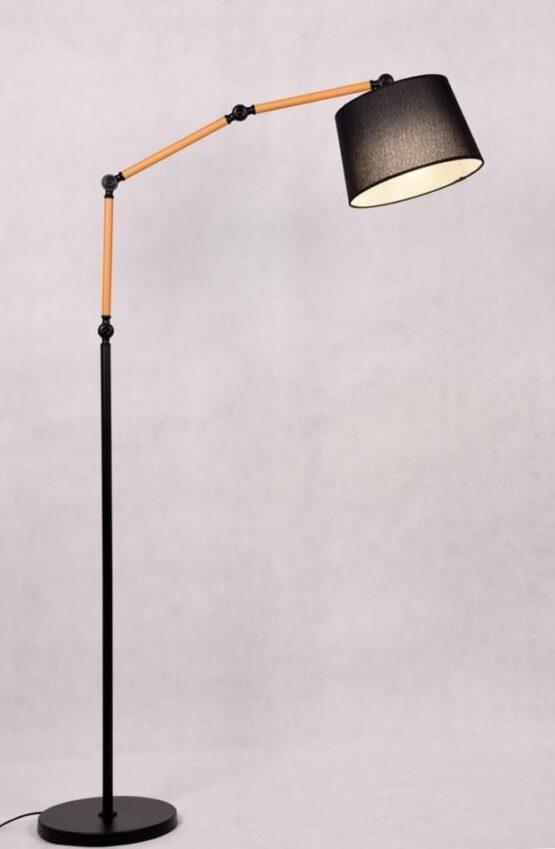 lampada con braccio telescopico e paralume nero