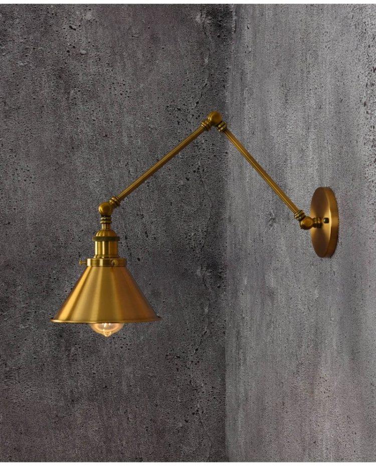 Lampada da parete vintage in ottone dorato GUBI W2 con braccio orientabile Steampunk