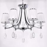 lampada classica con cristalli pendenti struttura argento cromato e paralumi bianchi in vetro