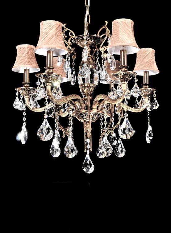 lampadari classici lussuosi struttura ottone con cristalli