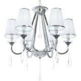lampadario in cristallo stile classico con paralume plissettato bianco