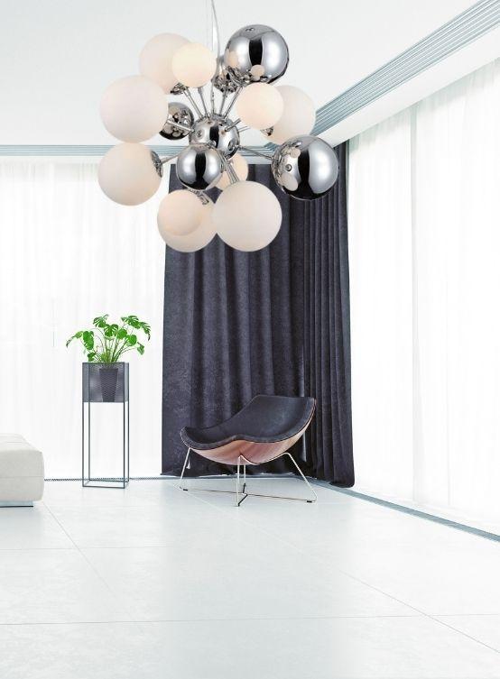 lampadario con palle bianche vetro moderno