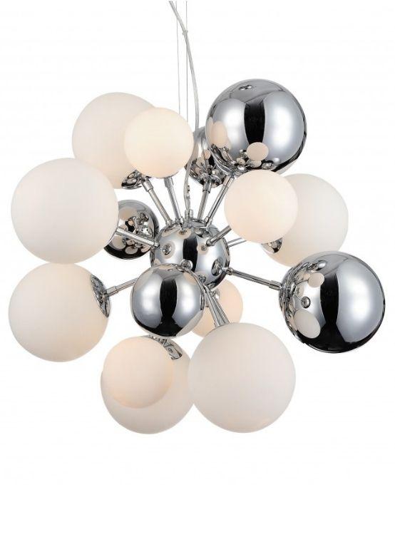 lampadario moderno con sfere di vetro