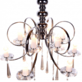 lampadario a soffitto con cristalli pendenti