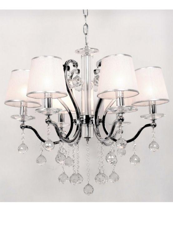 lampadario classico argento a sospensione con paralume chiaro e cristalli pendenti