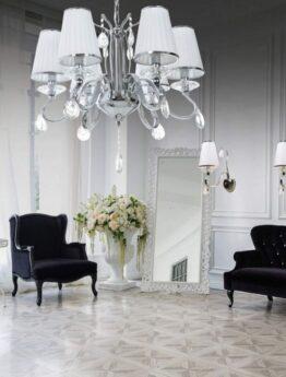 lampadario stile classico bianco con cristalli per salotto