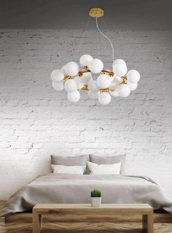 lampadari sfere vetro bianco camera da letto