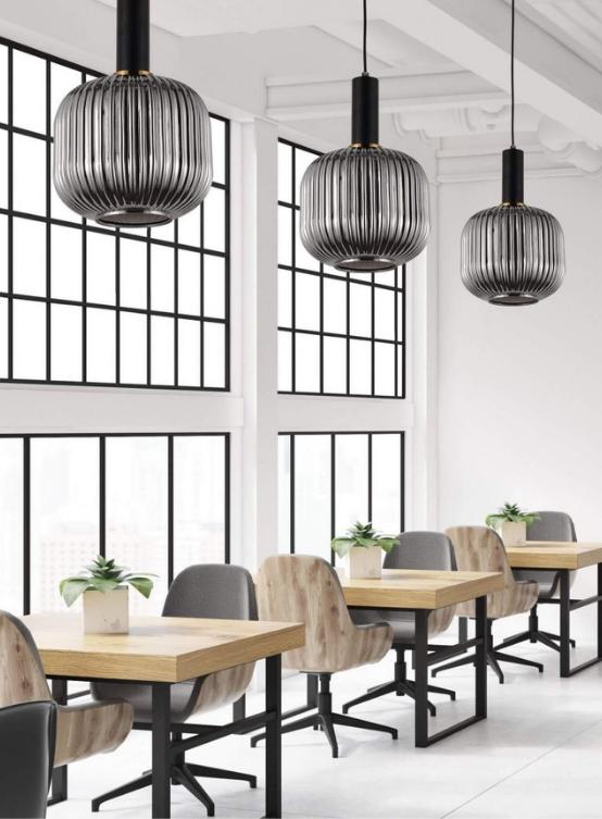 Lampade moderne ristorante con paralume in vetro